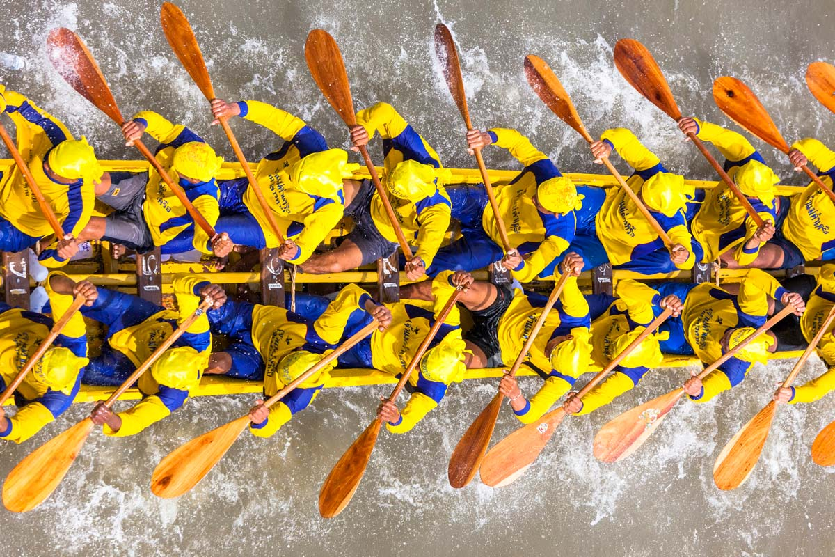 The Race of Dragon Boats